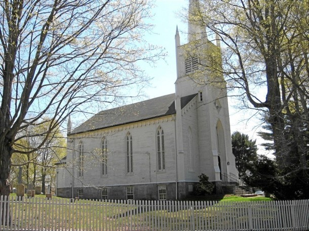 Christ Episcopal Church and Tashua Burial Ground, Trumbull