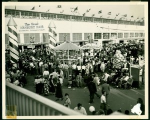 Crowds at the Danbury Fair food stands