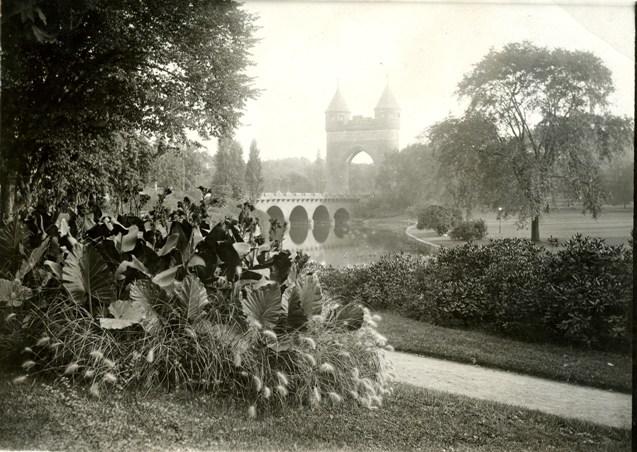 Bushnell Park, 1916