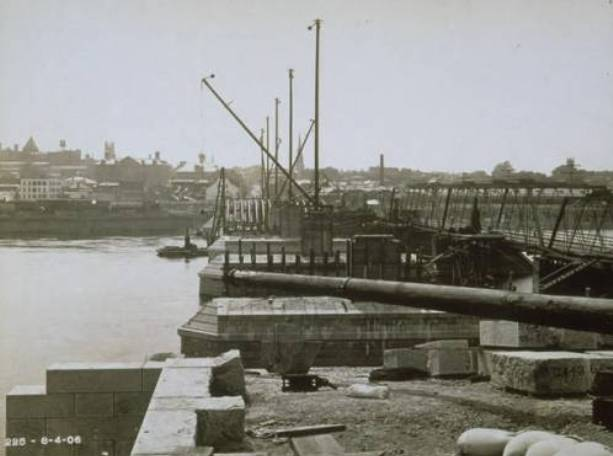 The Sand Hogs Set the Foundation for the Bulkeley Bridge