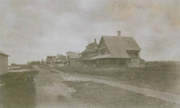 Cottages on Beach Road, Fenwick, ca. 1885