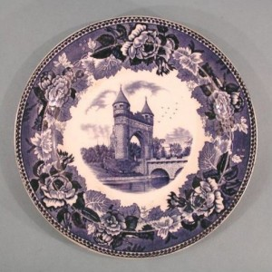 Plate with Soldiers Memorial Arch