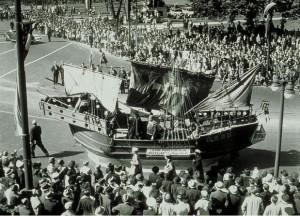 Tercentenary parade: Italian-American float