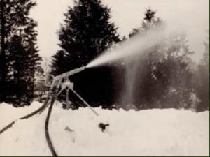 Larchmont equipment making snow