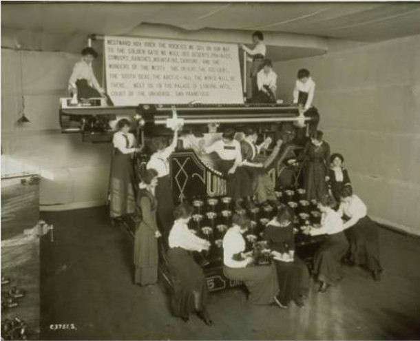 Giant typewriter, Underwood Typewriter Company, Hartford - Connecticut Historical Society and