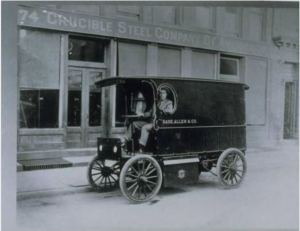 Sage Allen delivery truck, Market Street, Hartford, ca. 1913 - Connecticut Historical Society
