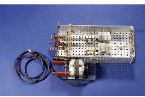 The Sewell heart pump, built by William Sewell Jr. and William Glenn in New Haven, Connecticut, ca. 1948 - National Museum of American History, Kenneth E. Behring Center