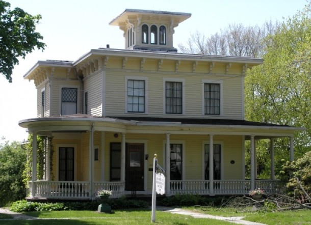 The Stevens-Frisbie House, Cromwell