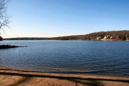 Crystal Lake, Ellington
