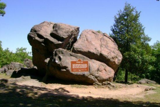 Judges' Cave, West Rock Ridge State Park