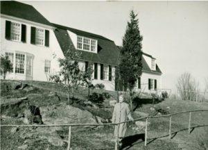Helen Keller in front of her home at Arcan Ridge, Easton
