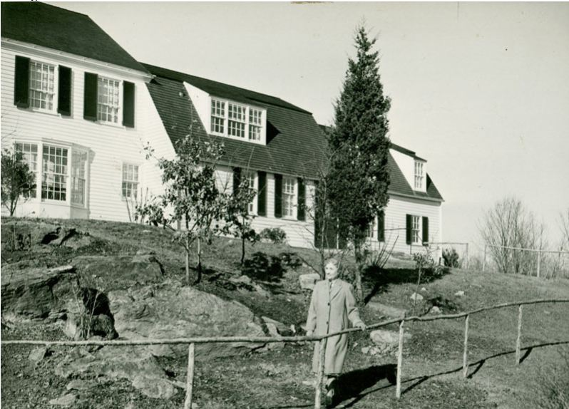 Helen Keller in front of her home at Arcan Ridge, Easton