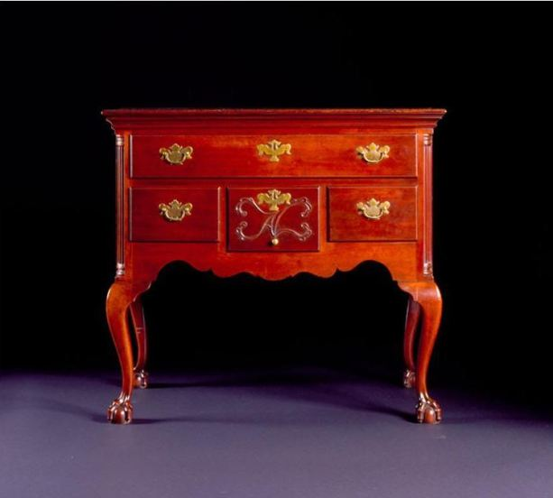 Dressing Table. Probably made in 1783 by the shop of Eliphalet Chapin