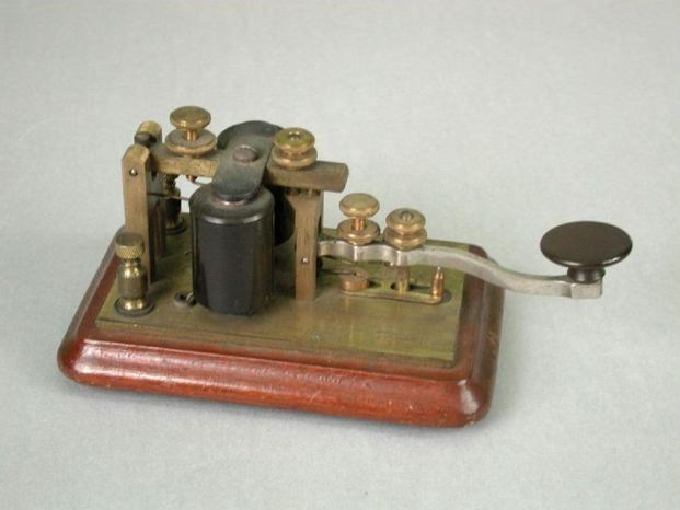 Combined Telegraph Key and Sounder
