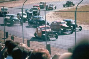 Modified Action in 1969 coming out of turn 4, Waterford Speedbowl