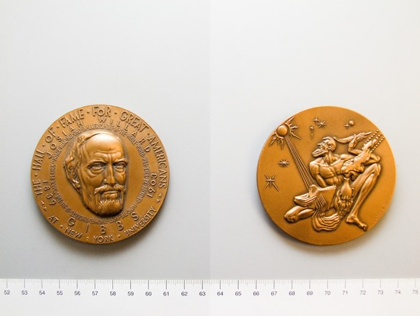 Bronze Hall of Fame medal of Josiah Willard Gibbs