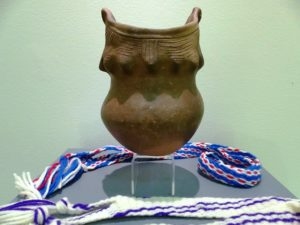 Mohegan Shell-tempered coiled clay Shantokware pot